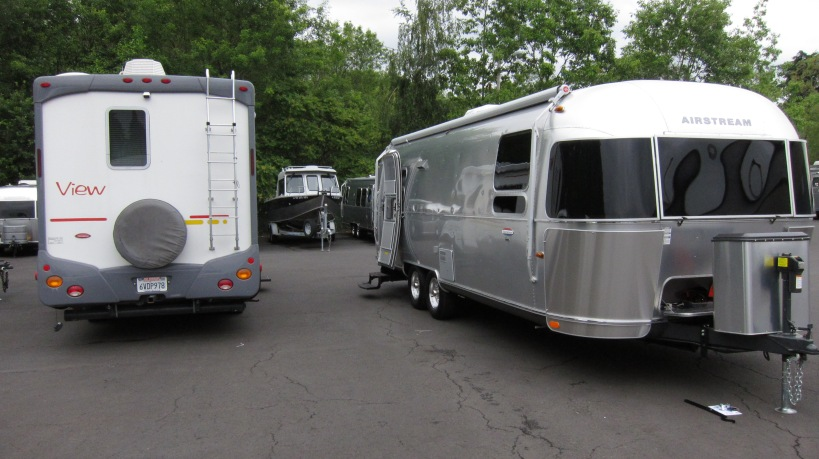 Transferring items from one trailer to the other