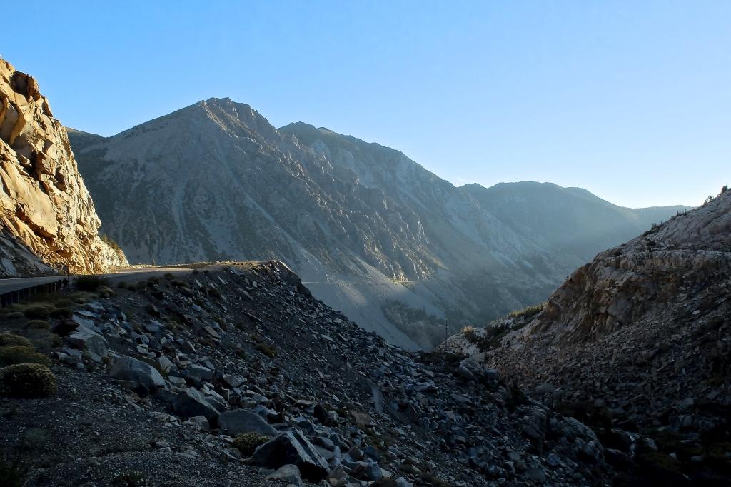 Tioga Pass as sunrise